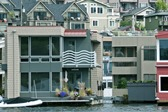 large_front_18067_ArchStyles_HouseBoat_SM